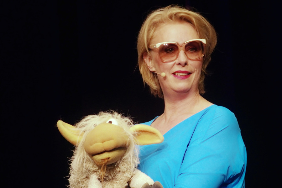 <span>Kabarett, Musikkabarett mit Puppen</span>ANDREA BONGERS